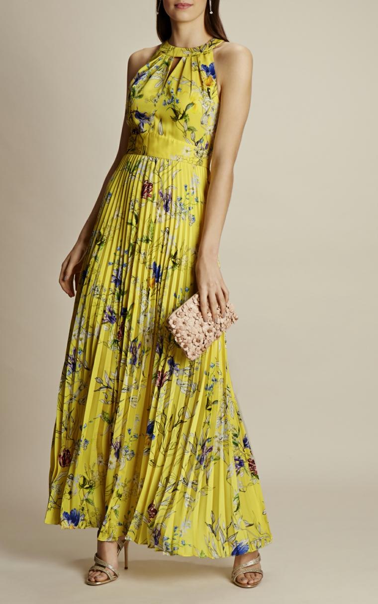 Abiti da sera lunghi firmati, un'idea con vestito plissettato di Karen Millen di colore giallo