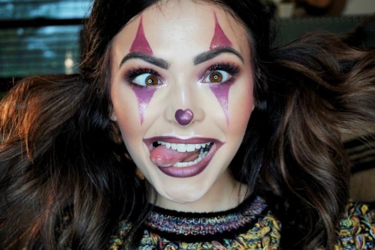 Trucchi per Halloween viso, ragazza con un make up da pagliaccio