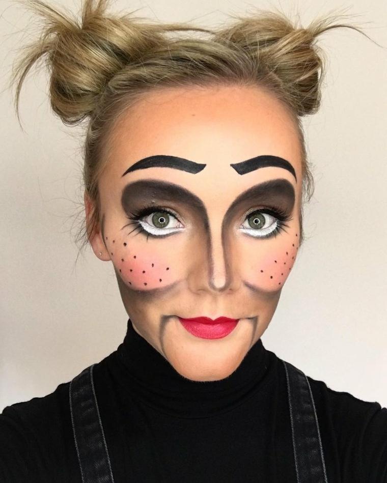 Trucco bambola assassina, ragazza con un make up ombretto nero e blush rosa