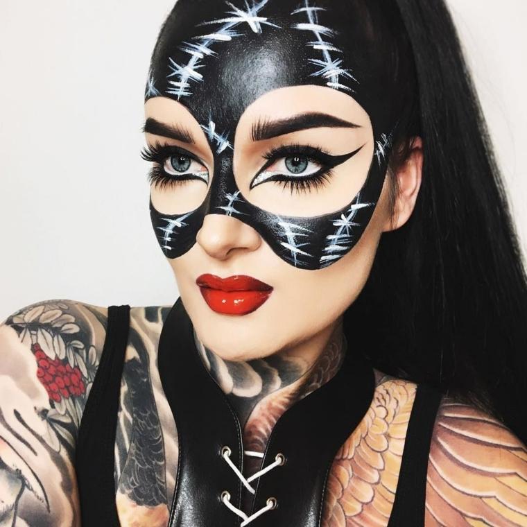 Idea travestimento e trucco per Halloween per assomigliare a cat woman