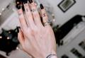 Tatuaggi sulle dita: più di 70 disegni e il loro significato