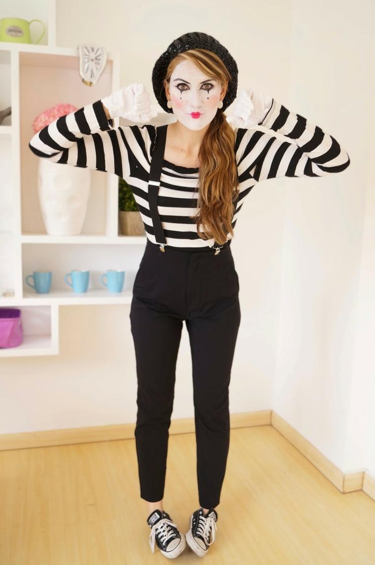 Idea per dei costumi Halloween originali, ragazza travestita come un mimo con un trucco particolare