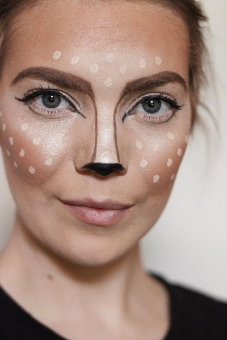 Idea per dei trucchi semplici per Halloween con una ragazza e make up da cervo