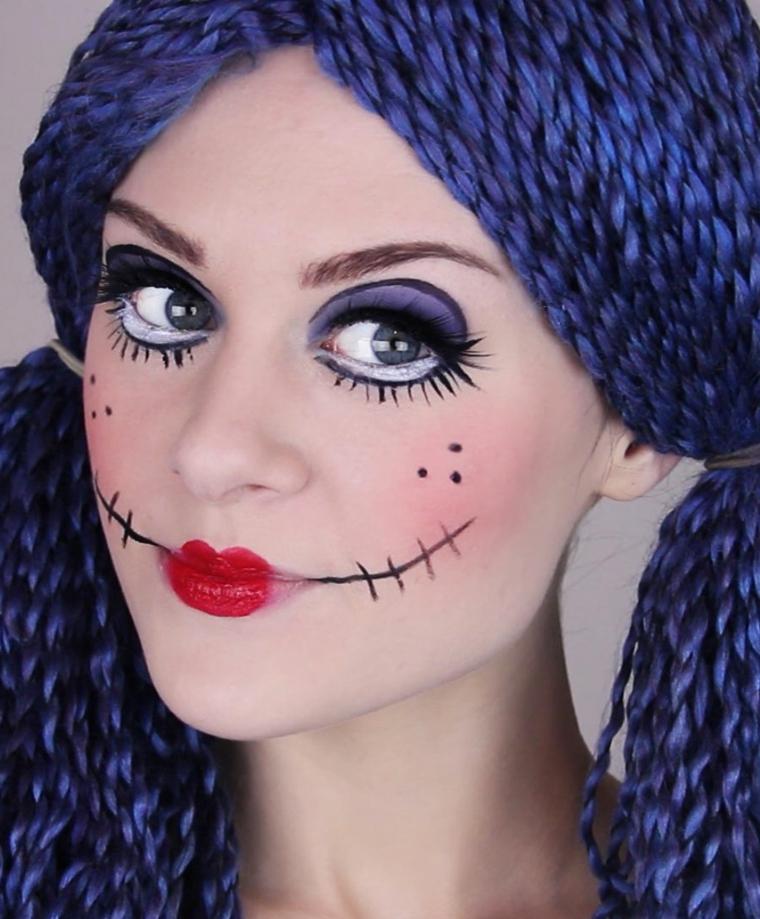 Trucchi per Halloween viso, ragazza truccata come una bambola con rossetto rosso e viso cucito