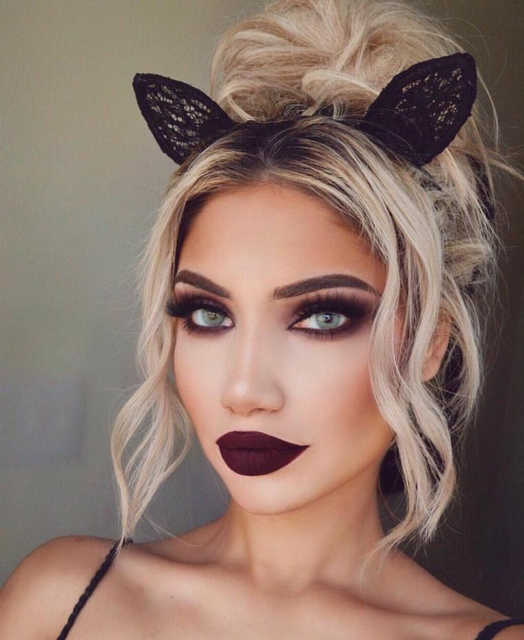 Trucchi per Halloween semplici, ragazza con un make up da strega e cerchietto con orecchie