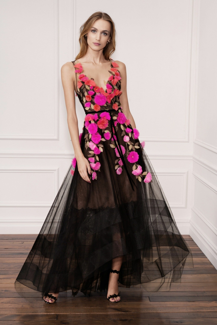 Vestito nero con tulle fluido e stampa floreale, abbigliamento donna per una cerimonia elegante