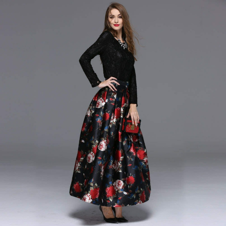 Abbigliamento elegante per una cerimonia di sera con una gonna lunga plissettata