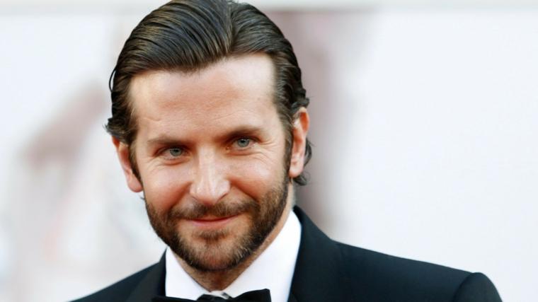 Sfumature capelli uomo, acconciatura elegante dell'attore americano Bradley Cooper