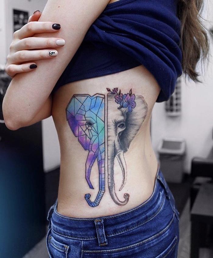 Tatuaggio geometrico sul corpo di una ragazza, la faccia di un elefante colorata per metà