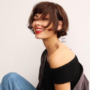 Caschetto corto donna: 100 acconciature e un nuovo taglio di capelli