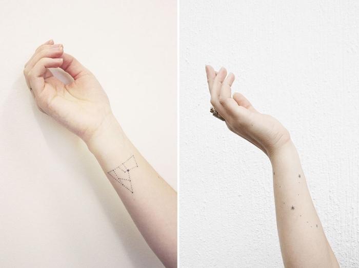 Piccoli tatuaggi femminili e un'idea con il disegno sulla mano di una costellazione