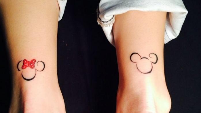 Tatuaggi discreti e un'idea con il disegno sulla caviglia di Minnie Mouse