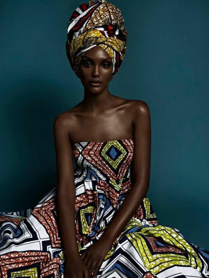 Abiti africani femminili e un'idea di abbigliamento con un vestito a fascia
