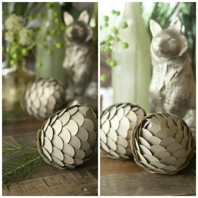Palline natalizie a forma di pigne con fogli spessi di colore grigio
