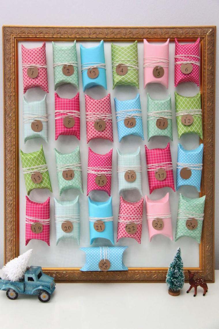 Decorazioni natalizie fai da te tutorial con un calendario dell'Avvento con sacchettini di carta