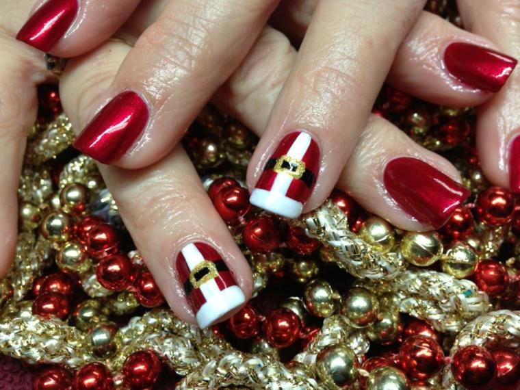 Idea per un semipermanente natalizio di colore rosso e accent nail disegno costume Babbo Natale sul dito anulare