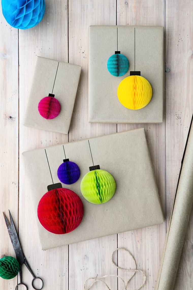 Occorrente per realizzare delle decorazioni natalizie di carta