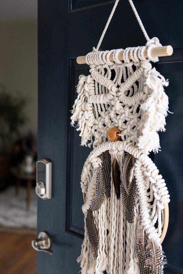 Macramè tutorial e un'idea con uno attaccato alla porta di casa