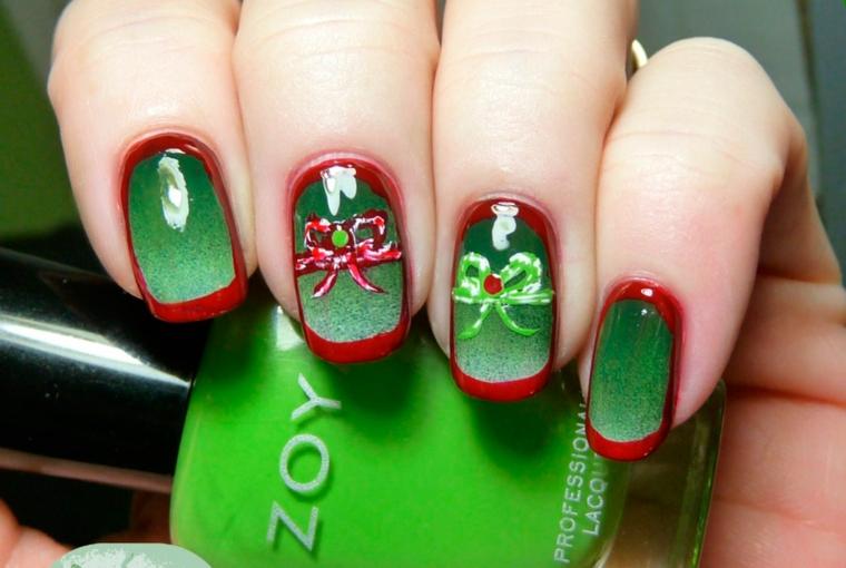 Unghie rosse natalizie con disegni colorati con fiocchi e smalto verde glitter