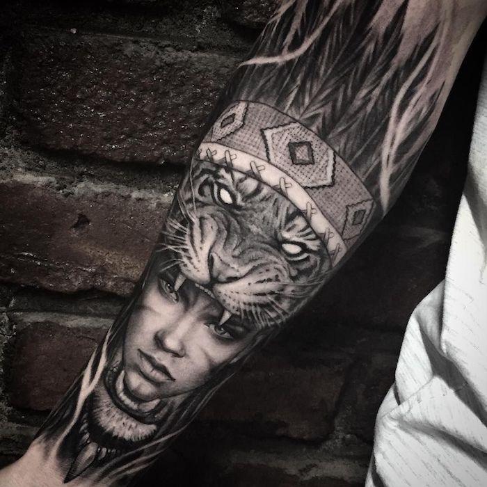 Tatuaggio braccio uomo con il disegno di una donna guerriera