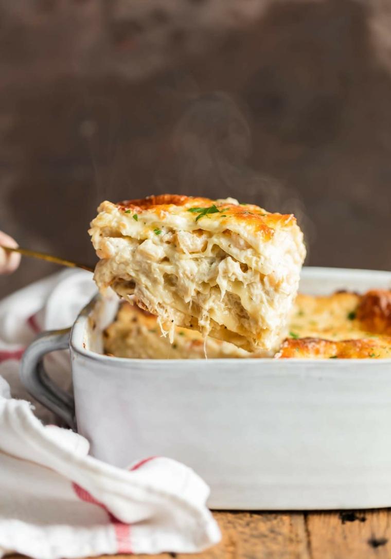 Secondi piatti natalizi e un'idea con lasagna ai frutti di mare e formaggio