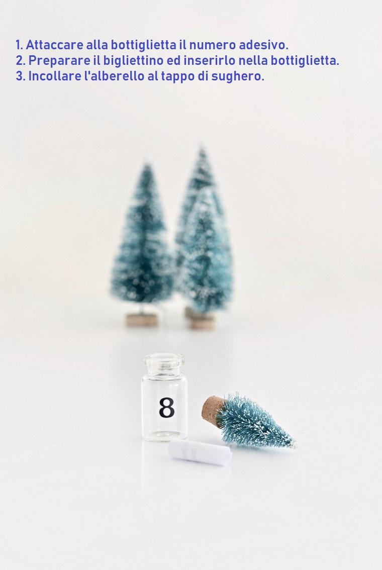 Lavoretti di Natale facili, un calendario dell'Avvento con bigliettino all'interno di una bottiglietta
