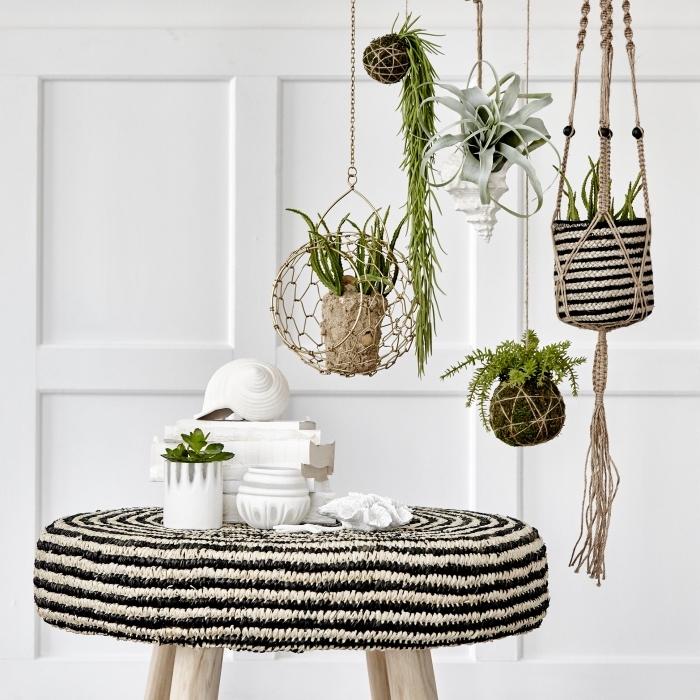 Macramè schemi e delle decorazioni a sospensione per reggere le piante