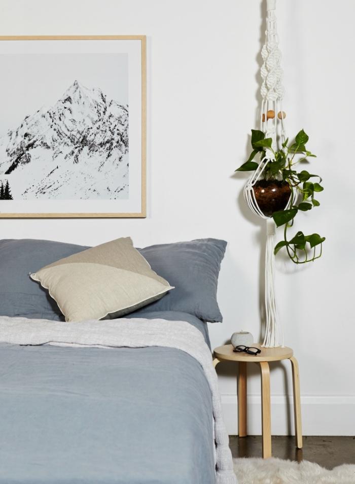 Macramè schemi e un'idea per la decorazione della camera da letto con un portavaso