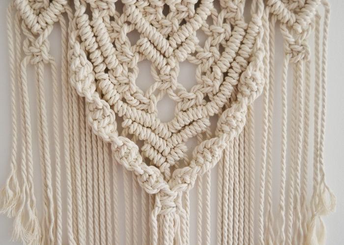 Macramè a sospensione con corda bianca e frange lunghe, decorazione da parete