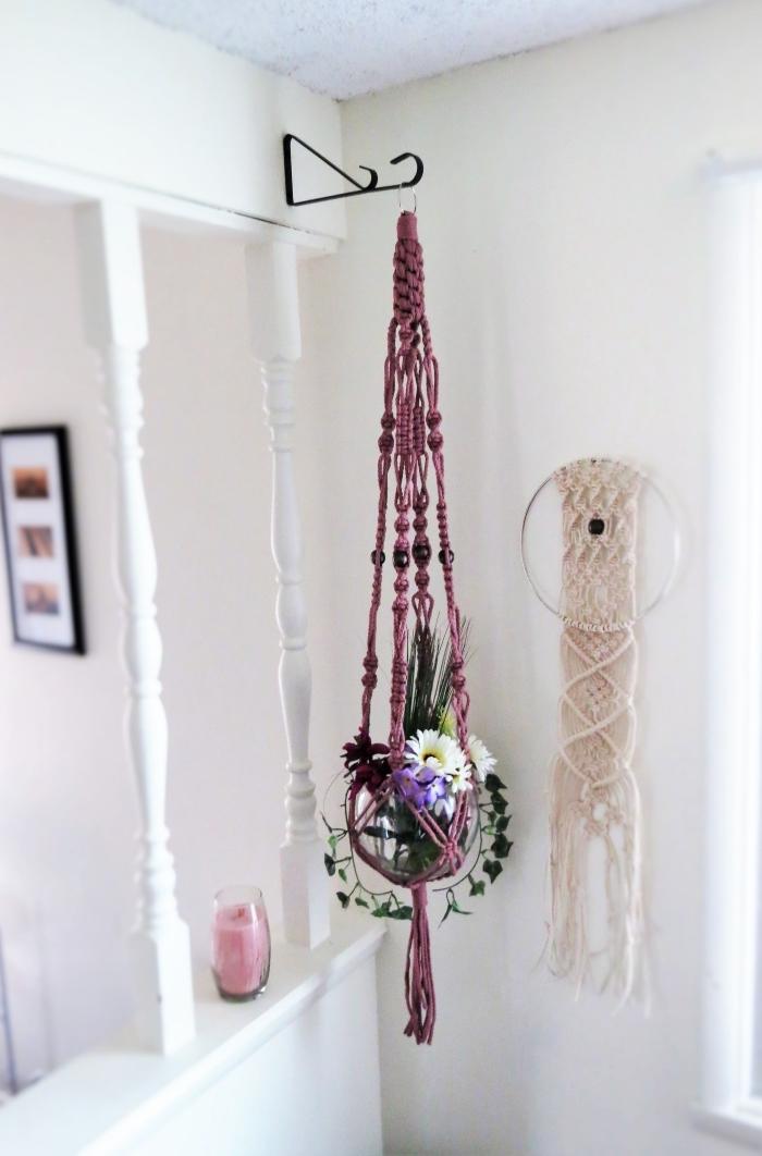 Portavaso con treccia di corda viola, decorazione camera con candela di colore rosa