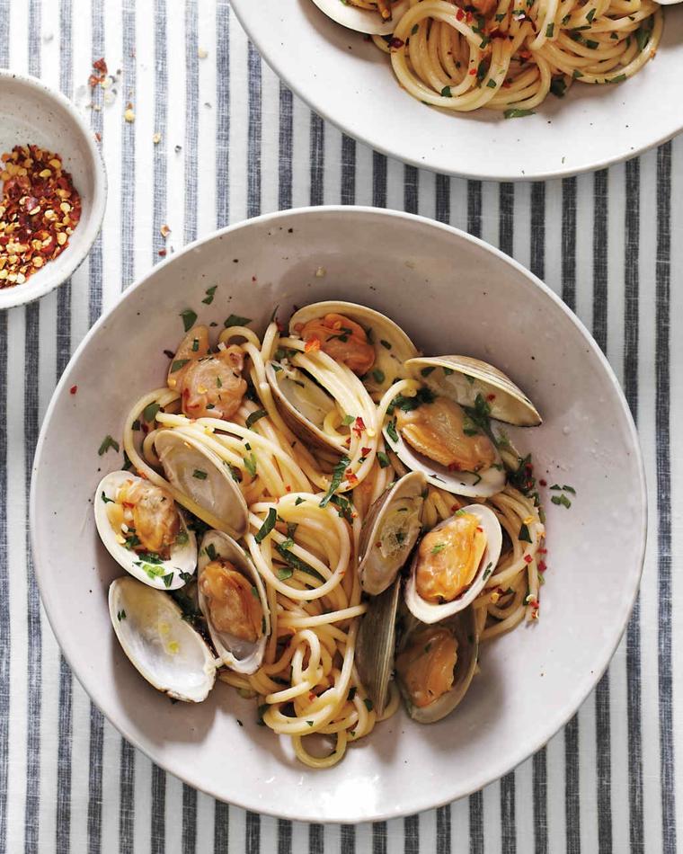 Menu Vigilia di Natale e un secondo di spaghetti allo scoglio con frutti di mare