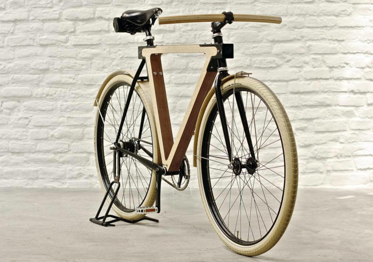 Idee regalo uomo originali, una bicicletta di legno dal design vintage