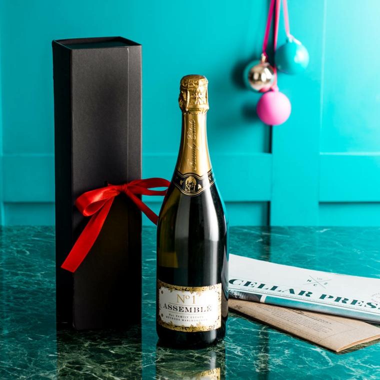 Idee regalo uomo 50 anni e una proposta con una bottiglia di spumante speciale