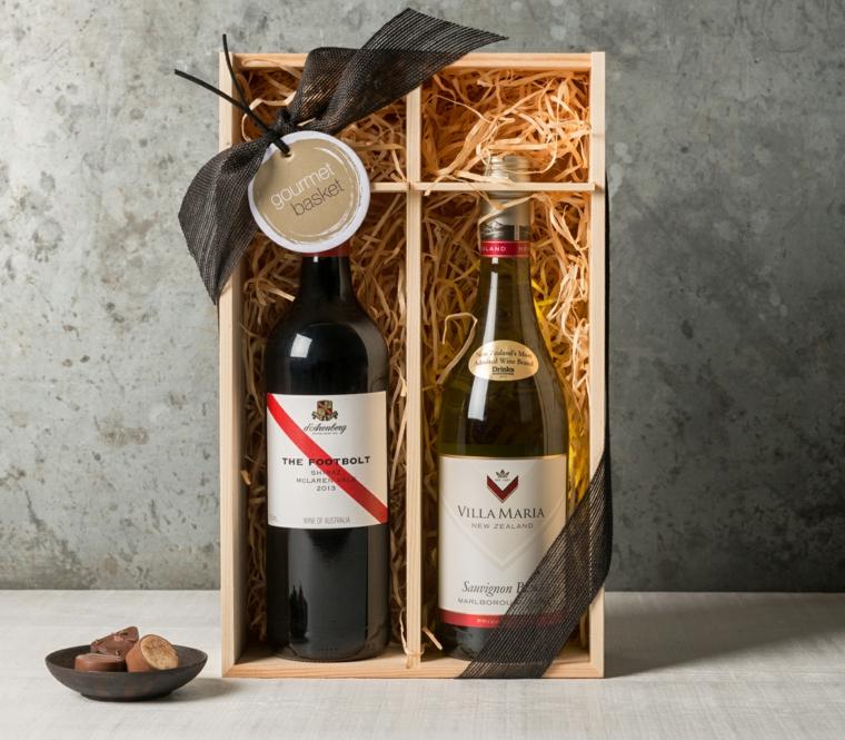 Idee regalo uomo 50 anni e una proposta con vino d'annata con scatola di legno