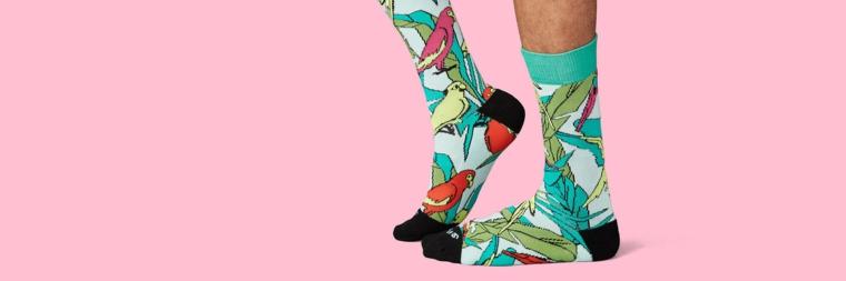 Idee regalo uomo e una proposta con calze colorate