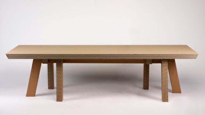 Idea per costruire un mobile di cartone, tavolino basso lungo con gambe