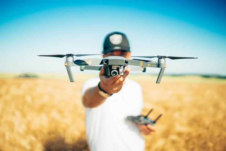 Cosa regalare al fidanzato e un'idea con un drone per video riprese