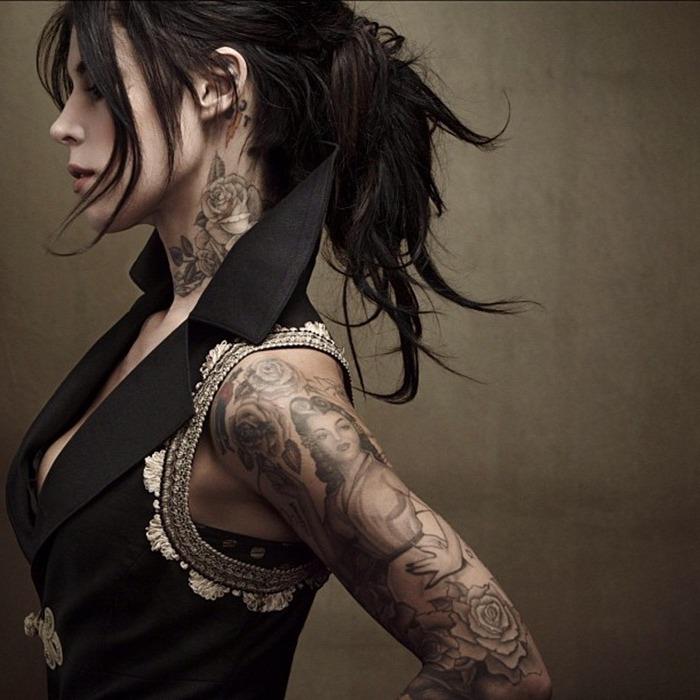 Tattoo immagini e un'idea di tatuaggio molto grande sul braccio di una donna
