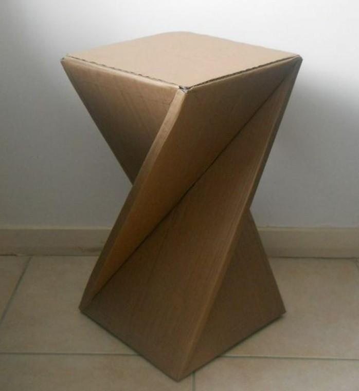 Costruire con il cartone e un'idea per tavolino dal design particolare