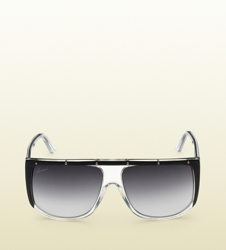 Regalo per fidanzato, occhiali da sole con lenti scure di e struttura di plastica