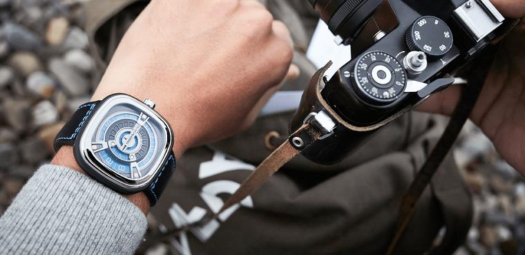 Idee regalo uomo 50 anni, orologio da polso con cinturino nero di pelle