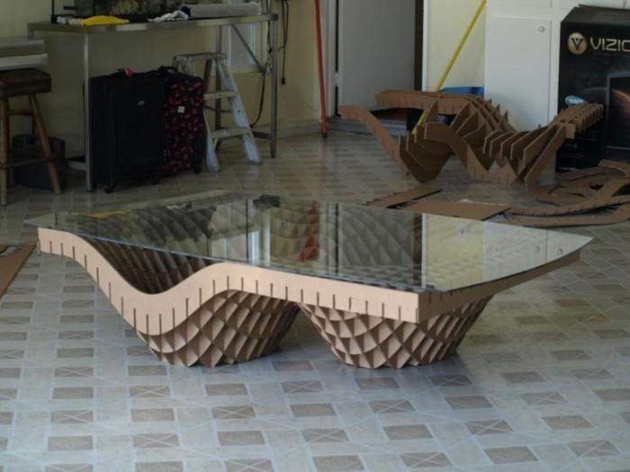 Come costruire un mobile di cartone, tavolino basso con superficie di vetro