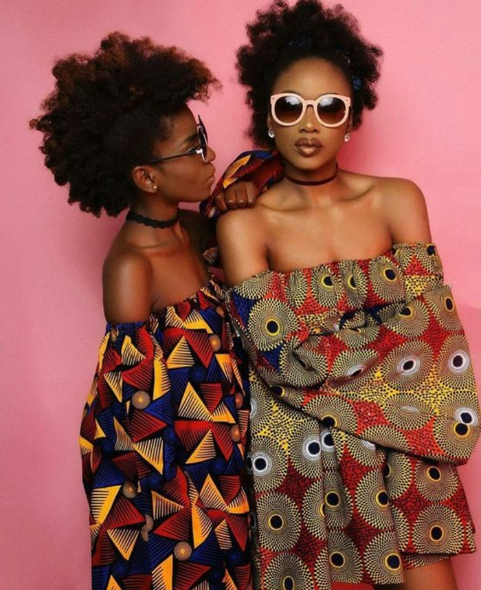 Abbigliamento donna con vestiti estivi, abiti colorati con spalle scoperte, ragazze africane con capelli ricci