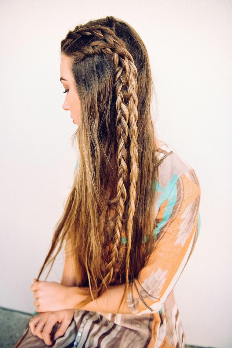 Acconciature raccolte, ragazza con capelli lunghi, capelli biondi con trecce