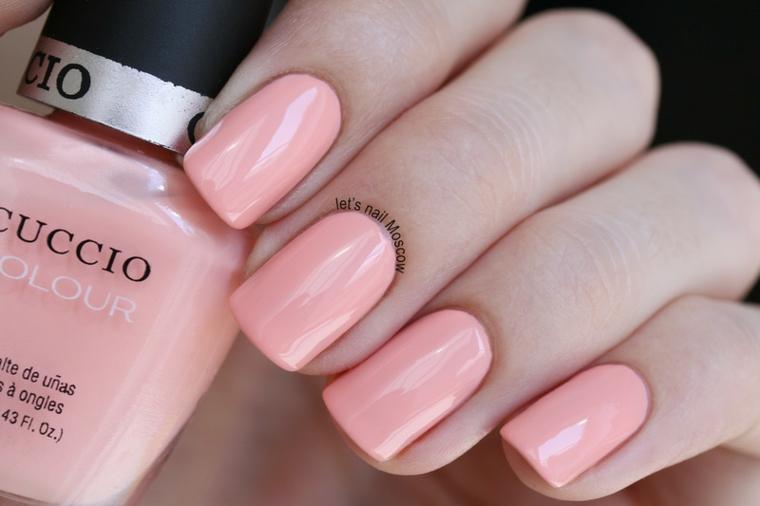 Idea unghie gel semplici, smalto rosa lucido, unghie forma squadrata, bottiglietta smalto cuccio