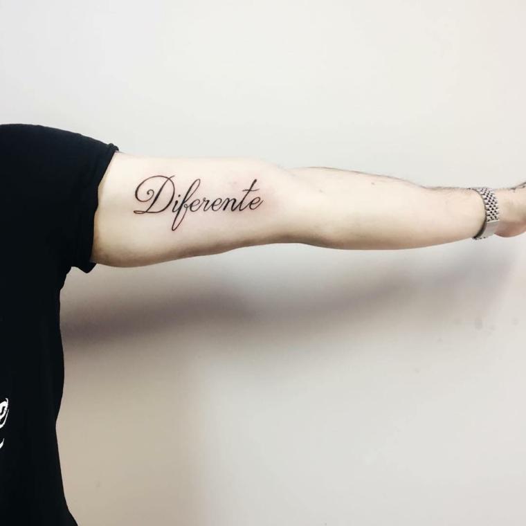 Frasi belle in spagnolo, scritta sul braccio, tatuaggio braccio uomo