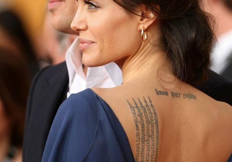 Tatuaggio dedicato alla famiglia, i tattoo di Angelina Jolie, tatuaggio sulla schiena