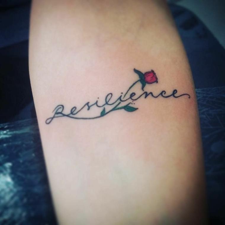 Frasi spagnole, idea tatuaggio sul braccio, disegno con rosa e scritta