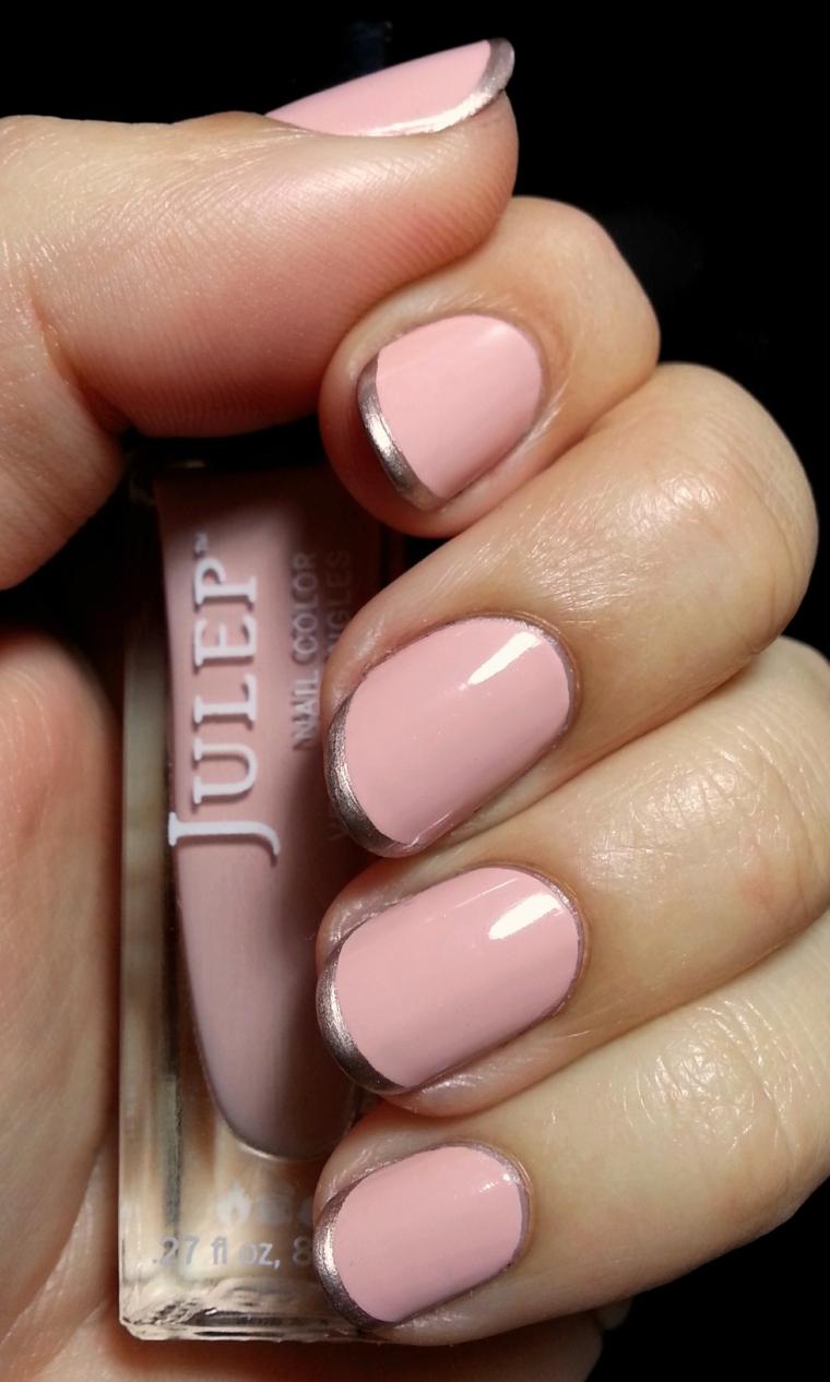 Unghie baby boomer, french manicure con smalto argento, base smalto rosa