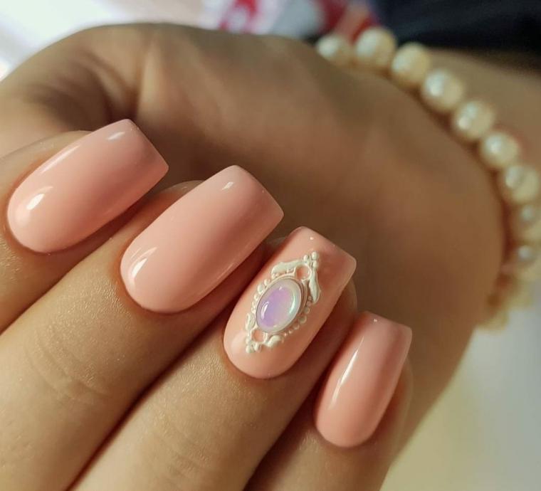 Decorazione tridimensionale smalto, unghie forma squadrata, nail art rosa stilizzata